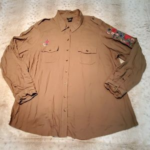 Torrid Very Soft Green Button Down w Embroidery